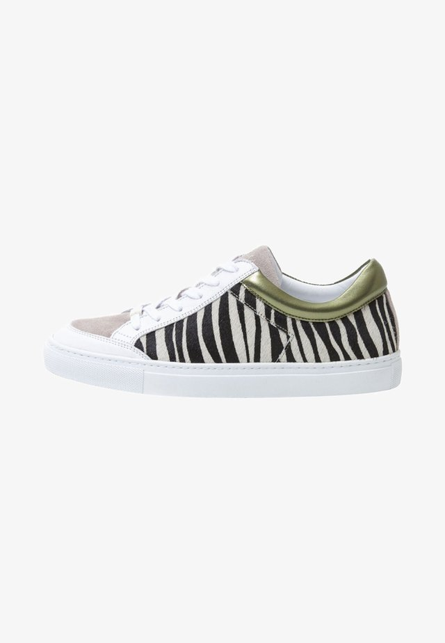 GABRIELLE - Sneakers laag - olive