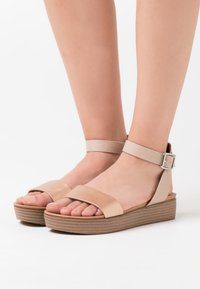 New Look - GENIUS - Sandály na platformě - rose gold - 0