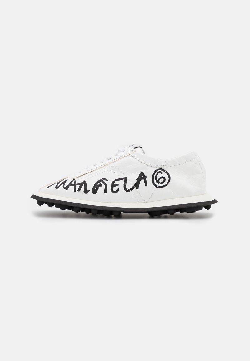 MM6 Maison Margiela - Trainers - white/black
