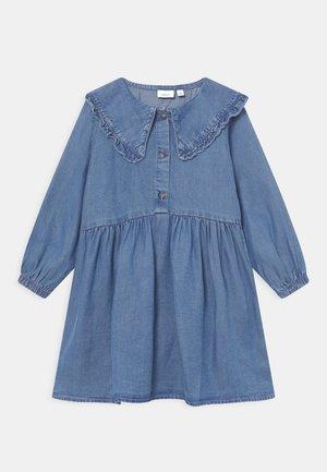 NMFNASANNE DRESS - Denim dress - medium blue denim