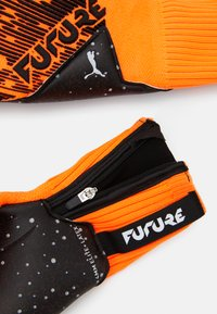 Puma - FUTURE GRIP HYBRID UNISEX - Goalkeeping gloves - shocking orange/black/white - 2