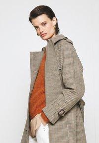 Mackintosh - ALLY - Trenchcoat - light brown - 4