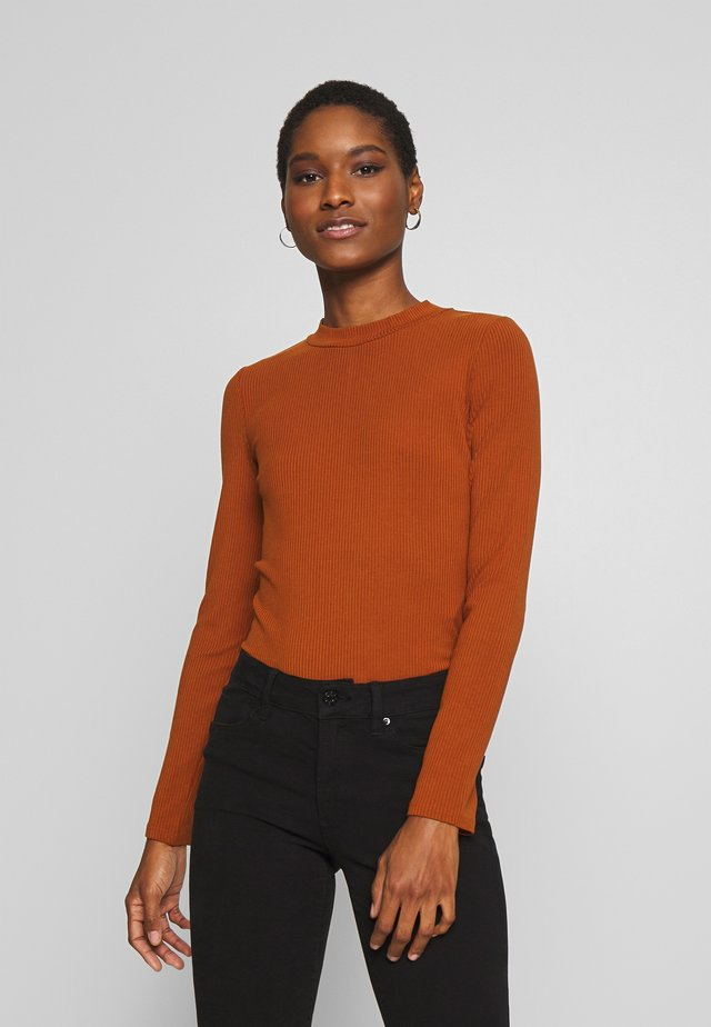Long sleeved top - cinnamon