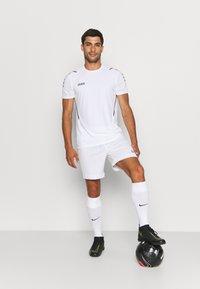 JAKO - TRIKOT CHALLENGE - T-shirt med print - weiß/anthra light - 1