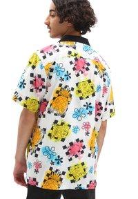 Vans - MN VANS X SPONGEBOB AIRBRUSH WOVEN - Shirt - (spongebob) airbrush - 1
