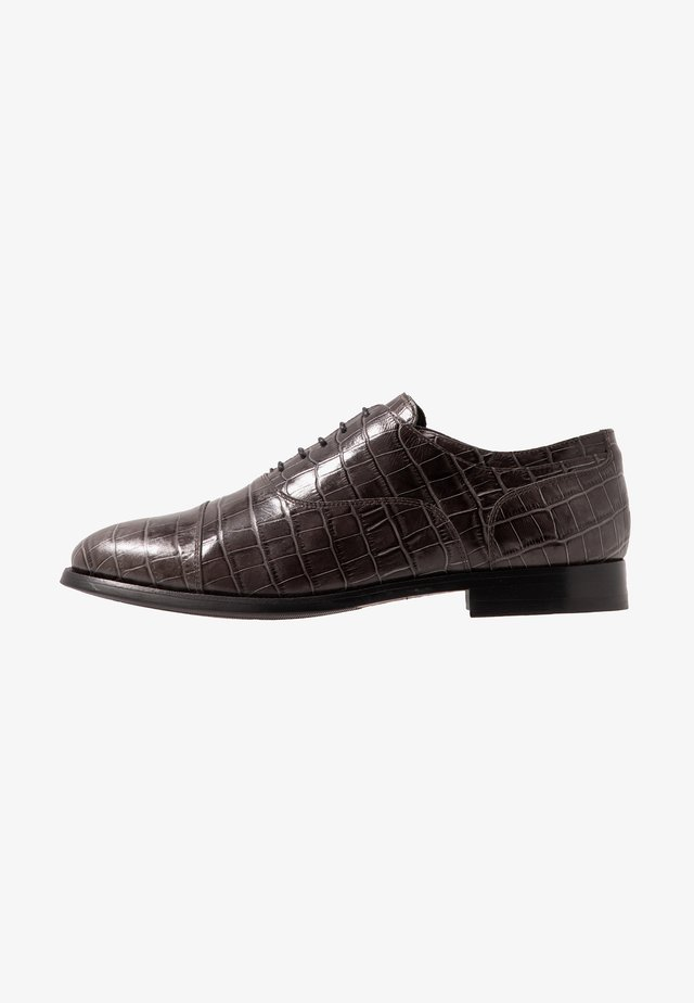 KING ELASTIC TOECAP OXFORD - Lace-ups - silver