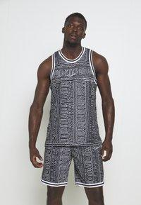Nike Performance - DRY CITY EXPLORATION SEASONAL - Sports shirt - black/white - 0