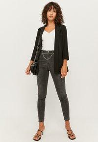 TALLY WEiJL - Jeans Skinny Fit - gry - 1