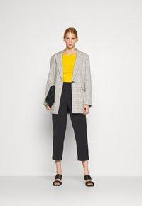 Sisley - Pantaloni sportivi - black - 1