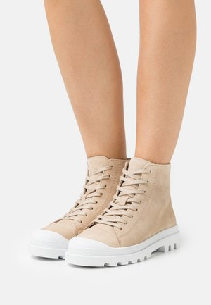VMVERA HIGHTOP  - Lace-up ankle boots - birch