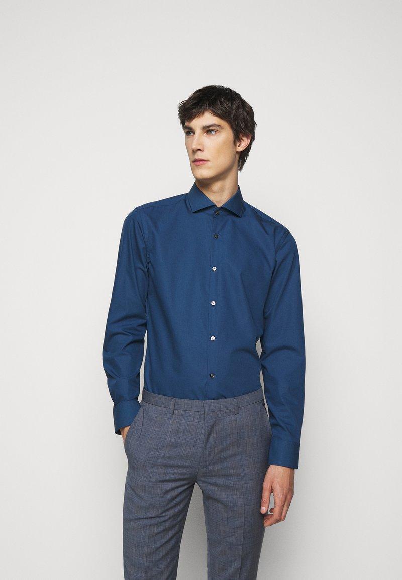 HUGO - KASON - Kostymskjorta - dark blue