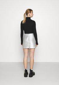 Monki - LUCY SKIRT - Mini skirt - silver - 2