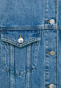 PULL&BEAR - Veste en jean - blue - 13