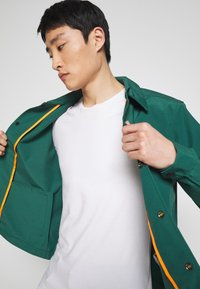Timberland - MOUNTAIN  - Summer jacket - hunter green - 3