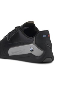 Puma - PUMA BMW M MOTORSPORT DRIFT CAT 8 RUNNING SHOES MALE - Baskets basses - black - 6