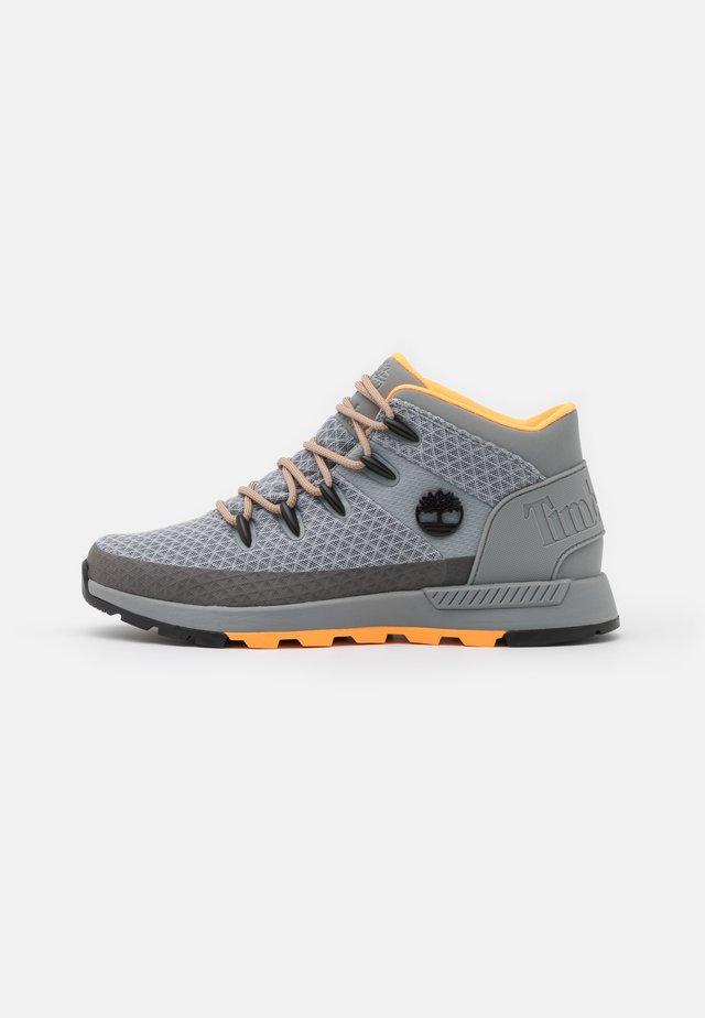 SPRINT TREKKER MID - Lace-up ankle boots - medium grey