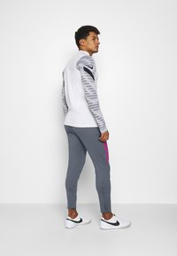 Nike Performance - FC PANT - Tracksuit bottoms - thunder blue/fireberry - 2