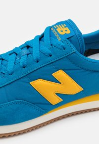 New Balance - UL720 - Sneakers - yellow/blue - 5