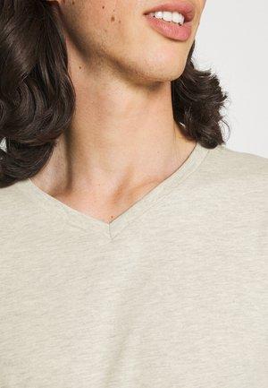 V NECK 3 PACK - Basic T-shirt - navy/grey marl/off white