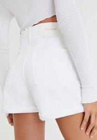 PULL&BEAR - Denim shorts - white - 4