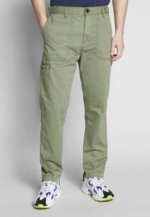 CARPENTER - Pantalones - lichen green