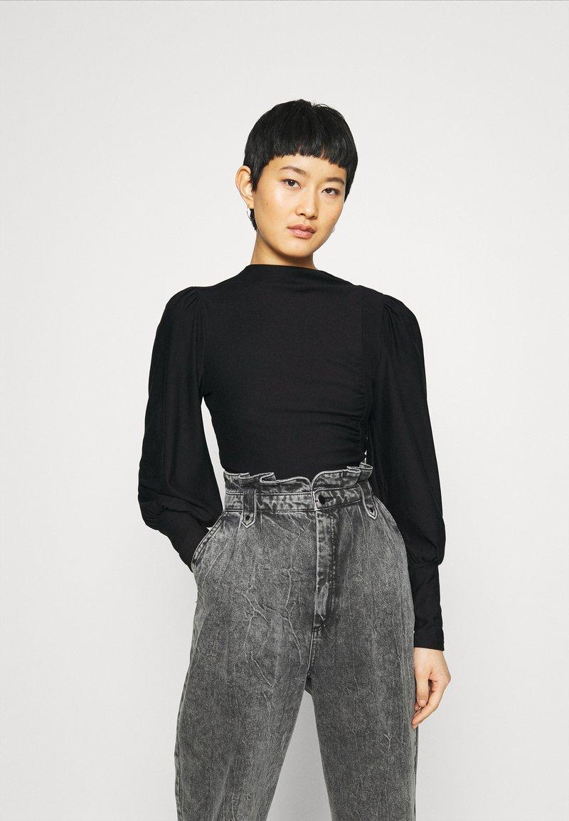 Gestuz - RIFAGZ PUFF - Sweatshirt - black