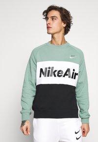 Nike Sportswear - AIR - Mikina - silver pine/black/white - 0
