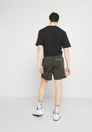 TRACK - Shorts - sequoia/sail/ice silver