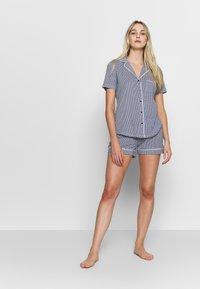 s.Oliver - SHORTY SET - Pyjama - blau/weiß - 1