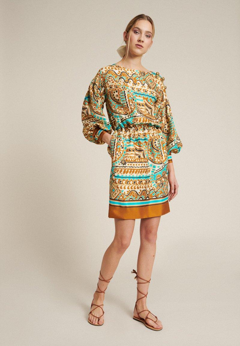 Luisa Spagnoli - Day dress - var turchese/cammell