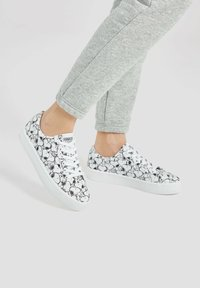 PULL&BEAR - SNOOPY - Trainers - white - 0