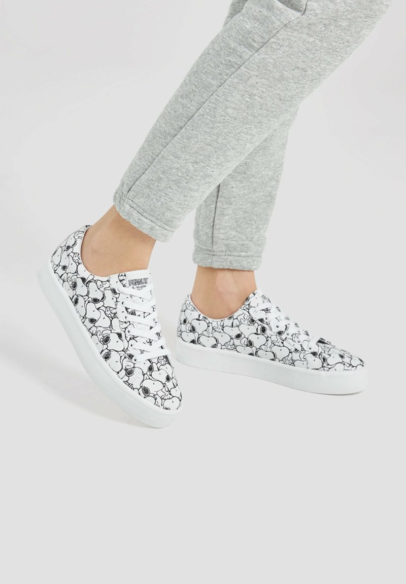 PULL&BEAR - SNOOPY - Trainers - white