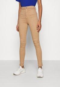 Noisy May - NMEMILY - Slim fit jeans - praline - 0