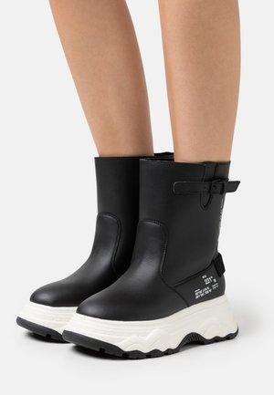 Platform boots - pro black/bioaurora black