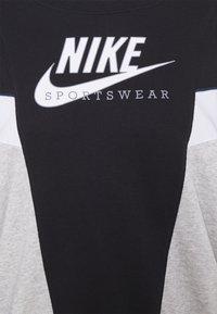 Nike Sportswear - HERITAGE CREW  - Felpa - black/grey heather/white - 5
