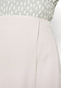 Abercrombie & Fitch - TAILORING  - Minisukně - cream - 4
