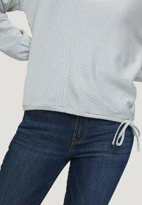 TOM TAILOR DENIM - Long sleeved top - mid blue white stripe - 4