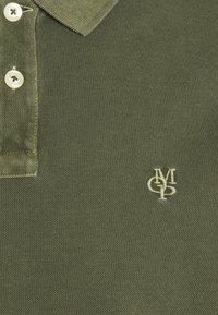 Marc O'Polo - SHORT SLEEVE BUTTON PLACKET - Polo shirt - dried herb - 7
