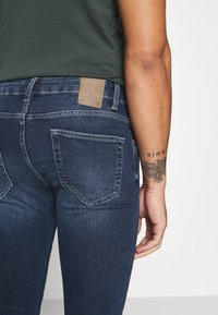 Only & Sons - ONSLOOM SLIM - Slim fit -farkut - dark-blue denim - 4
