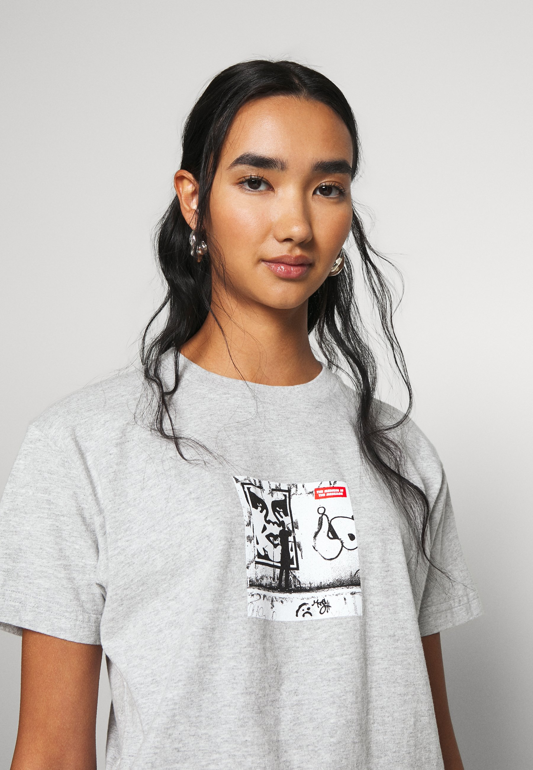 Obey Clothing The Medium Is Message - T-shirts Med Print Heather Grey/grå-melert