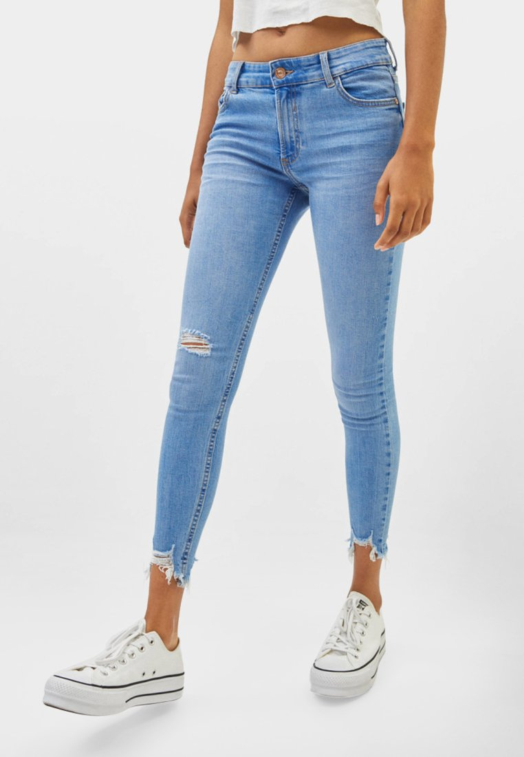 Bershka - LOW WAIST - Jeans Skinny Fit - blue