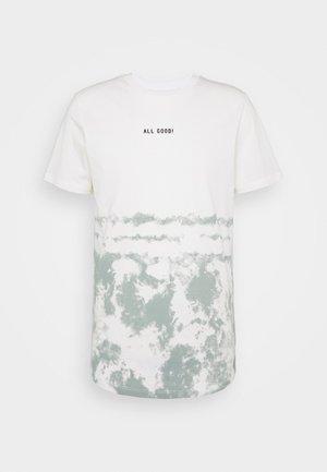 JORLOVAS - T-shirt z nadrukiem - green milieu