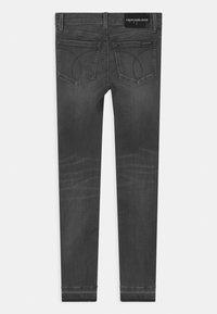 Calvin Klein Jeans - SUPER SKINNY INFINITE - Jeans Skinny Fit - grey - 1