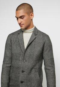 Jack & Jones PREMIUM - JPRMOULDER CHECK COAT - Classic coat - grey melange - 3