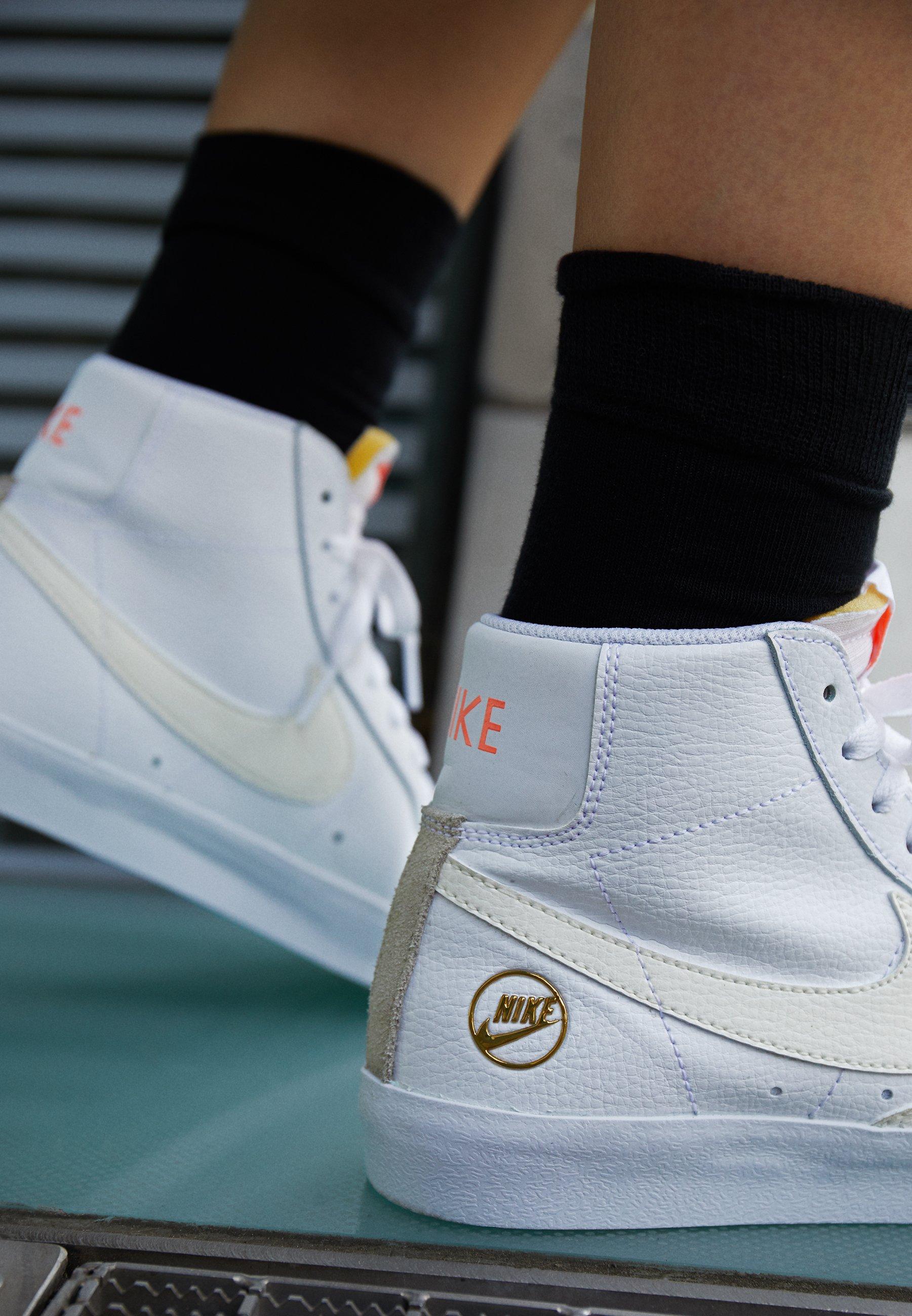 Nike Sportswear Blazer Mid - Sneaker High White/sail/metallic Gold/atomic Pink/weiß
