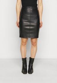 VILA PETITE - VIPEN NEW COATED SKIRT - Pencil skirt - black - 0