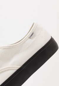 Element - PASSIPH - Skate shoes - offwhite/black - 6