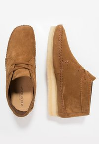 Clarks Originals - WEAVER - Casual lace-ups - cola - 1