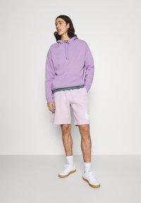 Nike Sportswear - CLUB - Shorts - iced lilac - 1