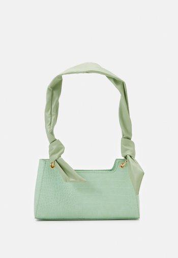 PCBELLIA SHOULDER BAG - Handbag - fresh mint/gold-coloured